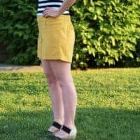 """Side view of Summer Caye shorts at 6"""" inseam"""